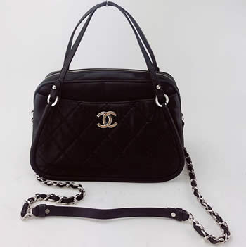 chanel black iridescent leather bag with silver chain handle